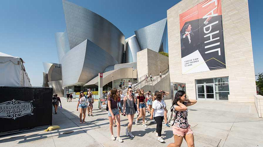 Oxy students in front of Disney Hall in downtown LA